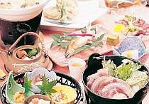 【夕食】寄せ鍋・アユ塩焼きなどボリューム満点