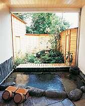 【本館】貸切可能な露天風呂