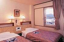 全室最上階で長崎を一望できる広めのツイン