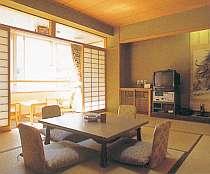 笹ヶ岳の山容をお部屋から一望