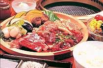 お肉の卸だからできる贅沢。ジューシーなお肉はボリュームも満点♪