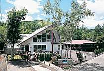 湖の小さなホテル マナハウス