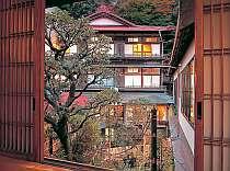 湯河原の名湯 源泉 上野屋