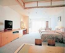 広めの和洋室は全室オーシャンビューのキッチン付