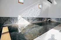天然温泉100%のかけ流し風呂