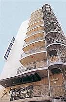 武蔵新城駅のそばに立地。各方面へアクセス便利なホテル