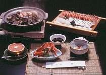 「丹後の味覚大皿料理」で、丹後の山海の幸を堪能。