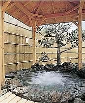 自慢のジャグジー付の岩露天風呂(男性)