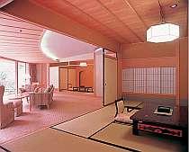 【特別室◇蘭亭・渓谷美を楽しめる】居間付和室10畳+6畳。*和室2間とリビングの付いたお部屋です。