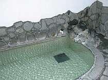 掛け流しの天然温泉を楽しもう