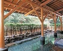 """湯本ホテルの温泉は、話題のメタケイ酸を多く含んだ""""美人の湯""""【女性大浴場露天風呂】"""