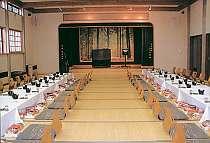 大小ご宴会、御法要、グループ会合に、通信カラオケ完備で、お待ちしています。