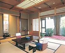 【客室一例】 南アルプスを一望でき、清潔で眺めの良い客室。