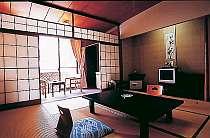 お得な別館和室8畳+次の間。温泉旅館ならではノスタルジックな雰囲気で湯ったり~のんびり~