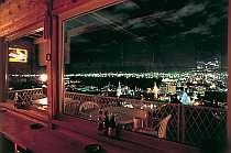 [写真]バーからの夜景