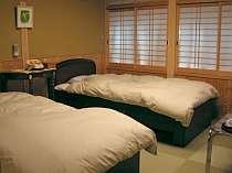 和室にベッド、新しい寛ぎ感