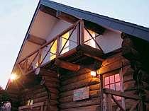 本格的な丸太のログハウス