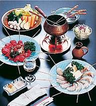 人気の夕食、オイルフォンデュ(一例)