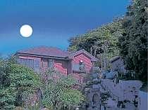 [写真]浅間山に望む月影の丘ホテルヴィラ勝山アヴェール本館
