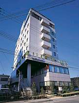 JR長浜駅より徒歩1分というアクセス至便な立地