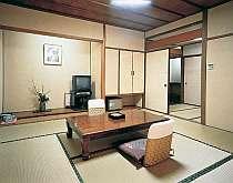 【お部屋】竹林館客室の一例。和室8帖。(ベットルームになる事もあります。)