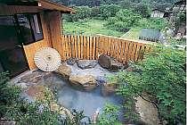 無料の貸切露天風呂は3つ。星空も緑も朝日も貸切に
