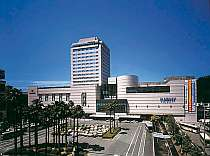 JR徳島駅直結、高速バス停からも至近
