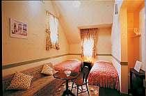 明るい色調のお部屋は女性に人気