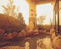 露天風呂。夕焼け空が美しい