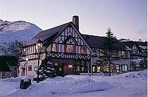 白銀に輝くスイス風のお洒落なプチホテル