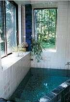 2階にある見晴らし風呂はもちろん天然温泉