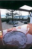 露天付客室「羽衣」の情緒溢れる露天風呂