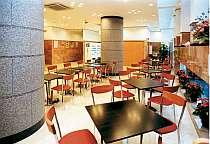 明るいカフェテリア