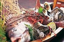 丸山漁港であがる新鮮な活魚料理が自慢です