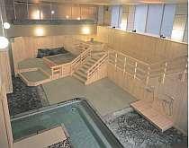 「藤の湯」と「つくもと湯」の2種類の温泉が楽しめる