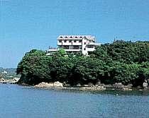 素晴らしい景観に恵まれた岬の先端に建つペンション