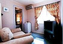 本館客室のリビングルームの1室。ゆったりくつろいでいただけます。