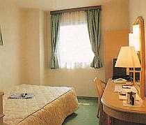◎ベッド幅140cmとゆったりシングルルーム