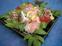 季節の地魚のお刺身盛合せ(一例)