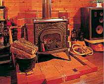 ロビーの薪ストーブが暖かさ倍増