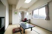 客室一例(和室)高原の中腹なので、とても眺めが良い