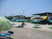 7月になると、サーフポイントと海水浴場にエリア規制されます。