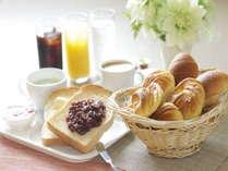無料軽朝食 小倉トースト