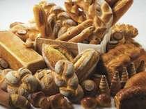 ホテルメイドのパンは全て白神山地の天然「こだま酵母」を使用。安心安全な食材です