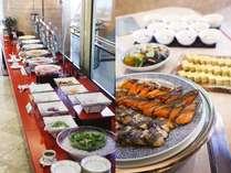 【朝食】和・洋・中、厳選したメニューを70種類ご用意しております