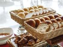 【朝食】パンは毎日仙台国際ホテルのパン職人が焼き上げております