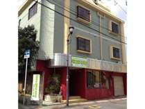 かぼすハウス別府オリジナル外観 *海門寺通りに面しています(一方通行)