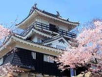 【浜松城】ホテルに隣接する浜松城は、四季折々の自然を感じることができます