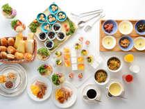 """【朝食バイキング】""""ホテルメイドパン""""や""""パティシエオリジナルジャム""""を始め、名物""""鰻まぜ御飯""""も"""