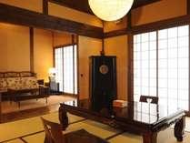 ぬくもりのある古民家にアジアンテイストの家具を配した離れ「良夜の間」